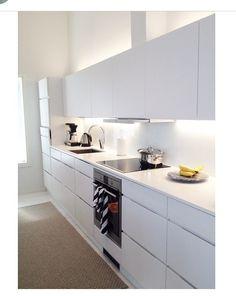Kvik kjøkken i Finland Kitchens, New Homes, Kitchen Cabinets, Design, Home Decor, Interiors, Hamburg, Decoration Home, Room Decor