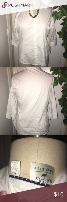 White button down shirt Crisp white button down shirt. 3/4 sleeves. Great condition! Lee Tops Button Down Shirts
