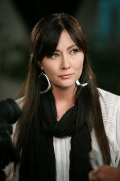 Shannen Doherty This is the page. Shannen Doherty Shannen Doherty Shannen Doherty, 90210 Shannen Doherty and her Shannen Doherty Dohe. Serie Charmed, Charmed Tv Show, Shannon Dorothy, Shannen Doherty Charmed, Elizabeth Berkley, Charmed Sisters, Holly Marie Combs, Luke Perry, Beverly Hills 90210