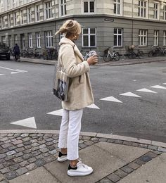 Winter Fashion Trends 2020 for Casual Outfits Street Style Outfits, Looks Street Style, Mode Outfits, Fashion Outfits, Womens Fashion, Woman Outfits, Latest Fashion, Fashion Trends, Look Fashion