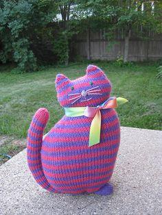 Free Pattern: The Window Cat by Sara Elizabeth Kellner