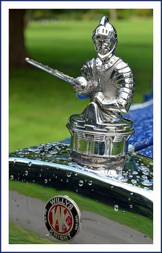 Classic Cars : Illustration Description 1929 Willys Knight Brought to you by agents of car insurance at and for Car Badges, Car Logos, Vintage Cars, Antique Cars, Car Bonnet, Car Hood Ornaments, Knight In Shining Armor, Automotive Art, Radiator Cap