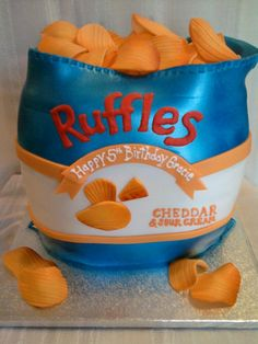 ruffles by Sugar Dreams Cakes and Things, via Flickr