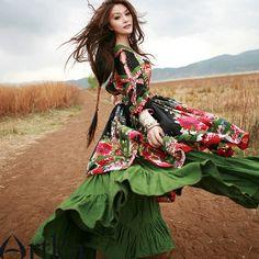 La robe florale ethnique