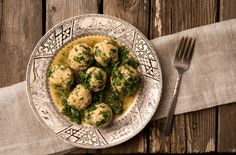 A recipe for fish balls German style, served with grune sosse, a traditional herby green sauce. You can use any species for this fish ball recipe. Perch Recipes, Fish Recipes, Seafood Recipes, Fishball Recipe, Meatball Soup, Balls Recipe, Fish Dishes, Gluten Free Recipes, Entrees