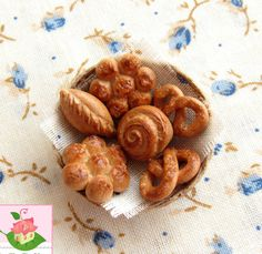 Miniature basket of pastries for dolls and от SweetMiniDollHouse