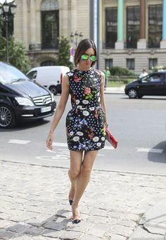 Fashion: Awesome floral print paired together with these sunglasses