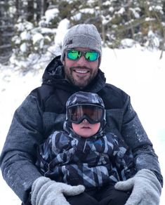 Carrie Underwood and Mike Fisher have one supercute son! The couple tied the knot in and they welcomed their first child, Isaiah Fisher, in February Carrie Underwood Mike Fisher, Carrie Underwood New Album, Carrie Underwood Pictures, Carrie Fisher, Queen Of Everything, The Great White, Boys Playing, Cool Boots, Husband Wife