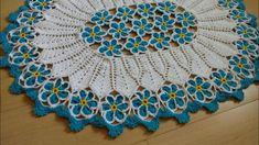 Tapete de Crochê Jardim Azul - parte 1 Crochet Designs, Crochet Patterns, Crochet Mandela, Knitting Machine Patterns, Crochet Mermaid, Crochet Decoration, Crochet Videos, Crochet Home, Crochet Doilies