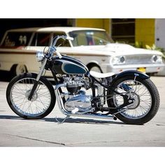 The Triumph-powered bobber is a motorcycle with a rich American DNA, despite the British origin of its engine. After WWII the custom motorcycle community Triumph Bobber, Triumph Chopper, Bobber Motorcycle, Triumph Motorcycles, Bobber Chopper, Triumph 650, Girl Motorcycle, Motorcycle Quotes, British Motorcycles