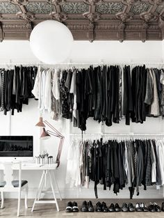 If my clothes were hung like this I'd color code them