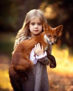 Top 20 Girls with Pet Fox Wallpapers Animals For Kids, Cute Baby Animals, Animals And Pets, Funny Animals, Beautiful Creatures, Animals Beautiful, Cute Kids, Cute Babies, Fuchs Baby