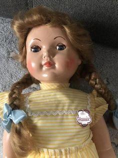 Antique Dolls, Disney Princess, Antiques, Disney Characters, Musik, Antiquities, Antique, Disney Princesses, Old Stuff