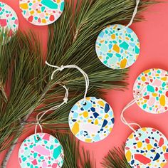DIY Faux Terrazzo Ornaments - Sarah Hearts If you love the terrazzo trend then you must make these DIY faux terrazzo ornaments. They are so easy to make and can be customized in your holiday palette. Kids Crafts, Diy And Crafts Sewing, Crafts For Teens, Christmas Party Games, Christmas Time, Christmas Crafts, Christmas Decorations, Unique Christmas Ornaments, Handmade Christmas