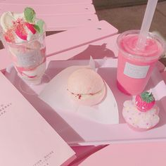 Healthy easy breakfast ideas to lose weight diet food list Peach Aesthetic, Aesthetic Food, Aesthetic Grunge, Japanese Sweets, Japanese Candy, Tokyo Mew Mew, Cute Pink, Pretty In Pink, Imagenes Color Pastel