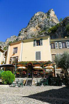 Pretty Cafe in Moustiers Sainte Marie, Alpes de Haute Provence