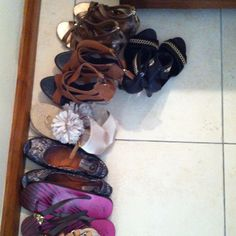 Shoes... Mauritius, Slippers, Shoes, Fashion, Moda, Zapatos, Shoes Outlet, Fashion Styles, Slipper