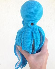 "say hello to my ""not named"" 🙈 Octopus 🐙🐙🐙🐙🐙🐙 henüz isim bulamadığım🙈 ahtapotuma merhaba diyin😉#bebeklikedi #etsyseller #octopus #seacreatures #amigurumi #amigurumis #etsy #patterns #pattern #crochetpattern #crochetlove #amigurumiaddict #crochetaddict #etsyshop#instacrochet #amigurumianimal#happysunday #mutlupazarlar"