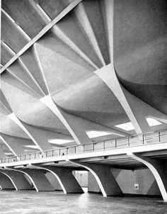Historical Timeline of Concrete /Turin Exhibition Hall - Pier Luigi Nervi - Turin, Italy Concrete Architecture, Space Architecture, Gothic Architecture, Contemporary Architecture, Architecture Details, Luigi Snozzi, Colani, Concrete Structure, Brutalist