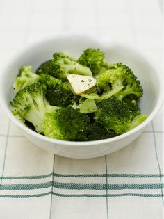 Brilliant broccoli-this was simple and delicious! Why have I always thought boiled broccoli tastes gross?
