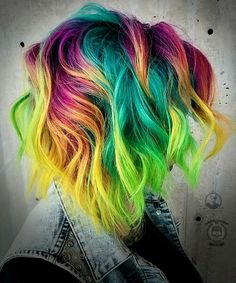 The Neon Hair Trend is wild, but we love it - Latest for Der Neon Hair Trend ist wild, aber wir lieben es – Neueste frisuren Short Curly Hairstyles For Women, Curly Hair Styles, Cool Hairstyles, Hairstyles 2018, Latest Hairstyles, Vivid Hair Color, Cool Hair Color, Pelo Multicolor, Color Fantasia