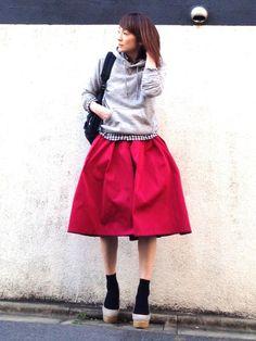 タックスカート ギンガムチェックシャツ Modest Fashion, Fashion Outfits, Womens Fashion, Street Snap, Dress Codes, Wardrobes, My Wardrobe, Daily Fashion, I Dress