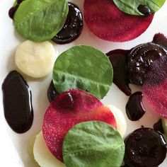 Glazed Beetroot with Smoked Ox-Bone Marrow, Apples and Sorrel, Beetroot Sauce from Noma (René Redzepi)