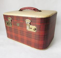 vintage 50s red plaid traincase