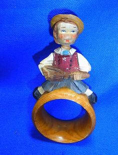 Vintage Italian ANRI Wood Carved Napkin Ring Moveable Head Boy with Guitar #P3