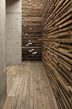 concreto e madeira ripa