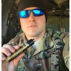 No caption needed. Photo by ft. Tag a friend Seen at by vapeporn Military Dating, Sexy Military Men, Military Families, Army Pics, Military Pictures, Hot Army Men, Mark Porter, Soldiers Coming Home, Scammer Pictures