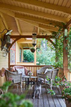 Outdoor Spaces, Outdoor Living, Outdoor Decor, Cosy Corner, Decks And Porches, Garden Furniture, Exterior Design, New Homes, Outdoor Structures