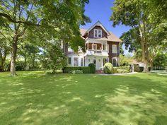 LOVE - Jimmy Fallon's South Hampton house