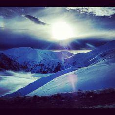 Photo by carolcoelhog  #filter #snow #mthutt #mountains