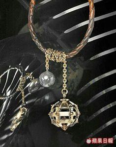 Mace and Diamond Bead close up