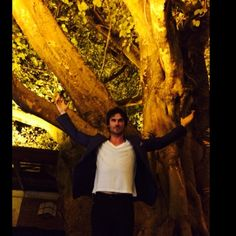 Ian Somerhalder - 14/05/14 - SGreat night in São Paulo, dining under the most beautiful 300 yr old fig tree-love it here... More to come @GQbrazil http://instagram.com/p/n_nADpqJ7z/ - Twitter & Instagram Pictures