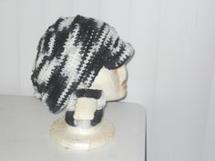 Crochet Big Slouchy hat with Square  Earrings are picture for people with a lot of Hair. Perfect to make you stand out. The Earrings are light and soft. Any Colors can be made.