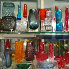 Vintage glassware offered by Robinson's Antiques. Alfies Antique Market.
