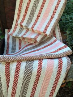 Dish Towels, Tea Towels, Loom Weaving, Hand Weaving, Dobby Weave, Moroccan Pattern, Weaving Projects, Weaving Patterns, Woven Fabric