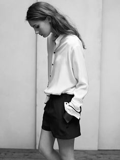MINIMAL + CLASSIC: tucked in button down