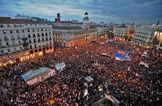 Protestas por la política económica en la Puerta del Sol de Madrid