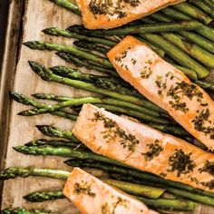Baked Salmon and Asparagus with Herb Butter Steamed Salmon Recipes, Baked Salmon And Asparagus, Oven Baked Salmon, Baked Salmon Recipes, Garlic Recipes, Fish Recipes, Salmon Pie, Baked Trout, Lobster Roll Recipes