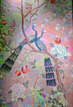 爱 Chinoiserie? Mai Qui! 爱 home decor in chinoiserie style - de Gournay chinoiserie wall mural with peacocks