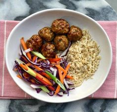 Cassie's Sticky Pork Meatball Bowl Healthy Mummy Recipes, Healthy Eating Tips, Healthy Nutrition, Clean Eating Snacks, Macro Nutrition, Healthy Cooking, Healthy Foods, Mince Recipes, Pork Recipes