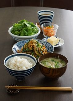 Photo: Japanese Homemade Holiday Lunch (Stir-fried Vegetables as Main, Egg Omelet, Rice, Miso-soup, Salad)|日本の食卓