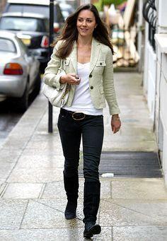 4/26/07 - Kate looks noticeably slimmer.