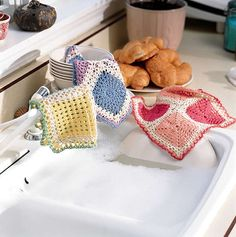 DAINTY DISHCLOTHS TO CROCHET