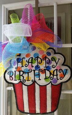 Cupcake burlap door hanger, Happy Birthday door hanger, Birthday decoration, Large size party decoration, can be personalized