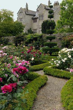 rose garden English Manor, English House, English Country Gardens, Parks, Formal Gardens, Outdoor Gardens, Home And Garden, Dream Garden, Manor Garden