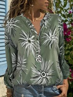 Commuting Long Sleeve Printed Colour Single-Breasted Blouse – blouse designs latest,chic blouses,women blouses,floral blouse outfit,autumn blouses for women Summer Dress Outfits, Fall Outfits, Blouse Styles, Blouse Designs, Floral Blouse Outfit, Blouses For Women, Autumn Blouses, Single Breasted, Long Sleeve